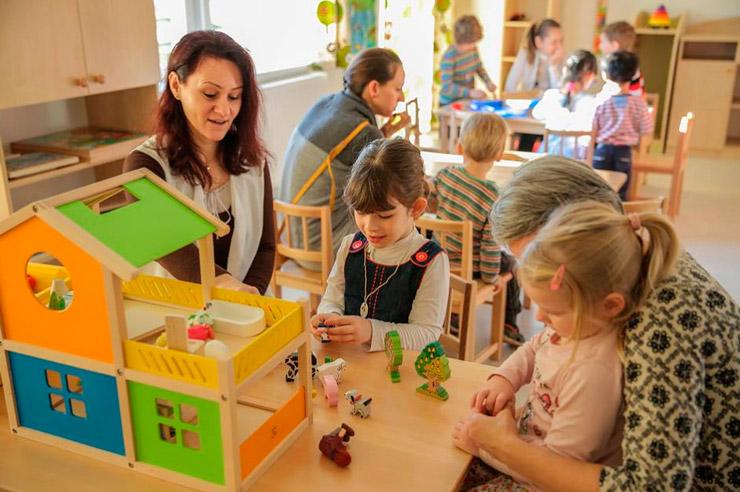 Фото работы воспитателя с детьми